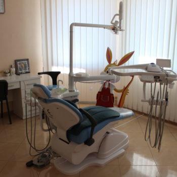 Детское кресло у стоматолога нашей клиники
